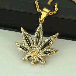 Collana foglia di cannabis...