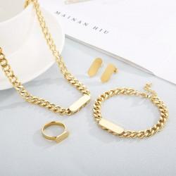 Custom jewelery set...
